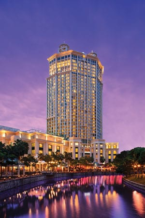 web19_Grand-Copthorne-Waterfront-Hotel-(Exterior-Night-Shot)